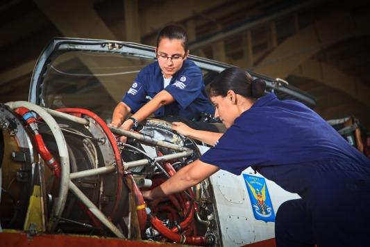 Mulheres na manutenção
