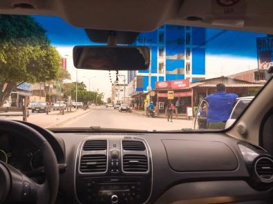 Em Puerto Quijarro, rumo à ferroviária