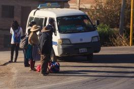 Cotidiano matinal na periferia de Cochabamba