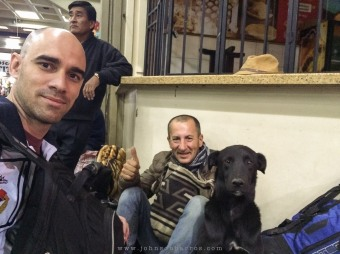 Nosso amigo colombiano e seu cachorro