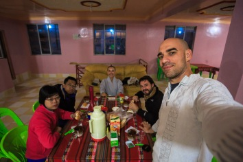 Janta com os novos e velhos amigos