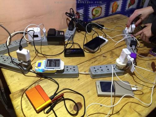 Recarregar as baterias no alojamento não é uma tarefa fácil