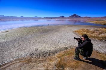 Alexandre fotografando flamingos.